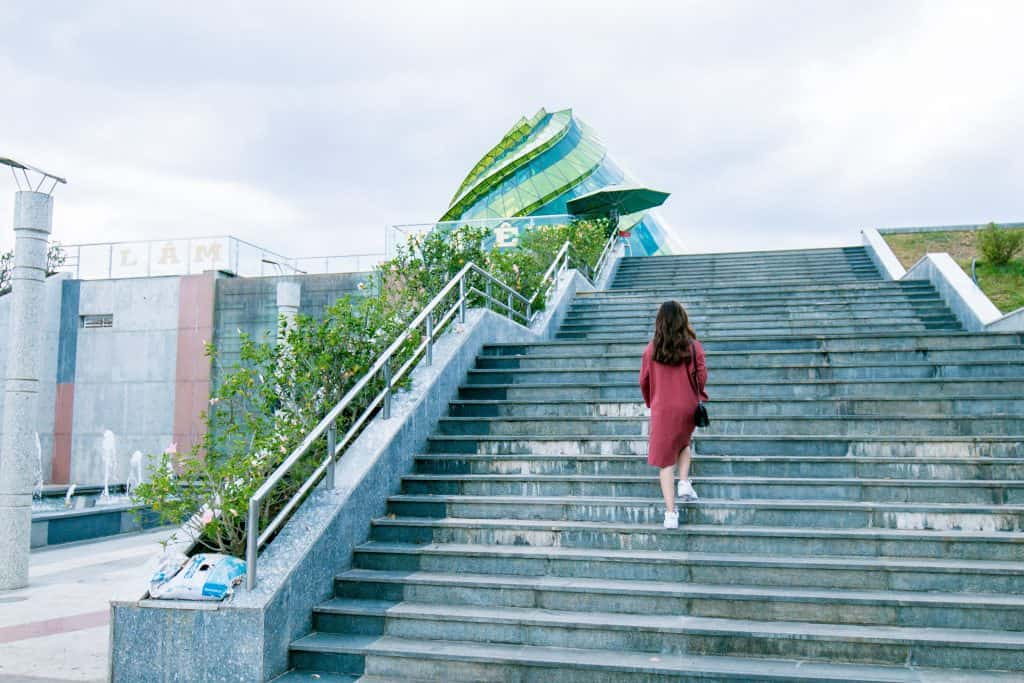10 Surprising Benefits Of Climbing Stairs That Everyone Should Know